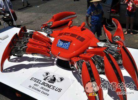 艺术家用大众甲壳虫做成的大螃蟹