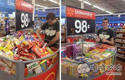 一网友去逛超市,受不了促销架里摆放杂乱的商品,于是……