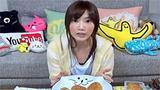 大胃王吃10个巨型烤饭团