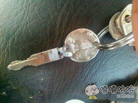 钥匙断了,二货老公想出的办法!