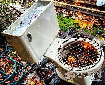 旧马桶改成的烧烤架,你们感受下…