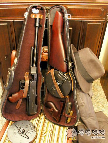 小提琴箱里的真相。。。