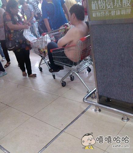 十分理解这位先生,因为小时候还没有超市嘛~