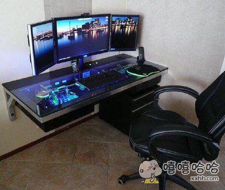 主机嵌在桌子里的一体机电脑。。。以前怎么就没想到呢