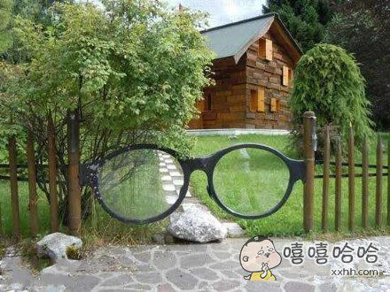 眼镜世家的大门