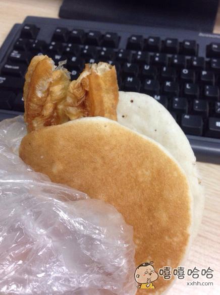 每次吃早餐都感叹中国人的机智,怎么能把一团面做这么好吃~~