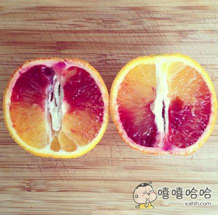 切开一个橘子里面是这样的,能吃吗?