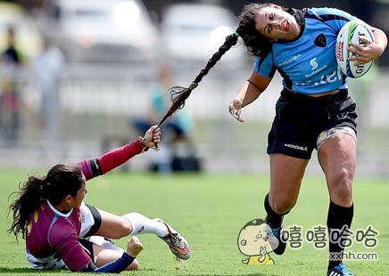 小婊砸!给老娘把球放下!