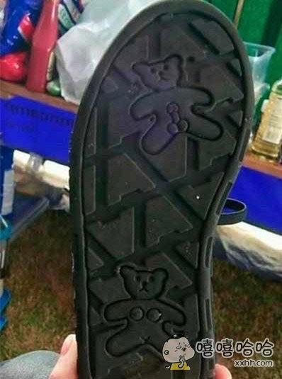劲爆的都在鞋底。