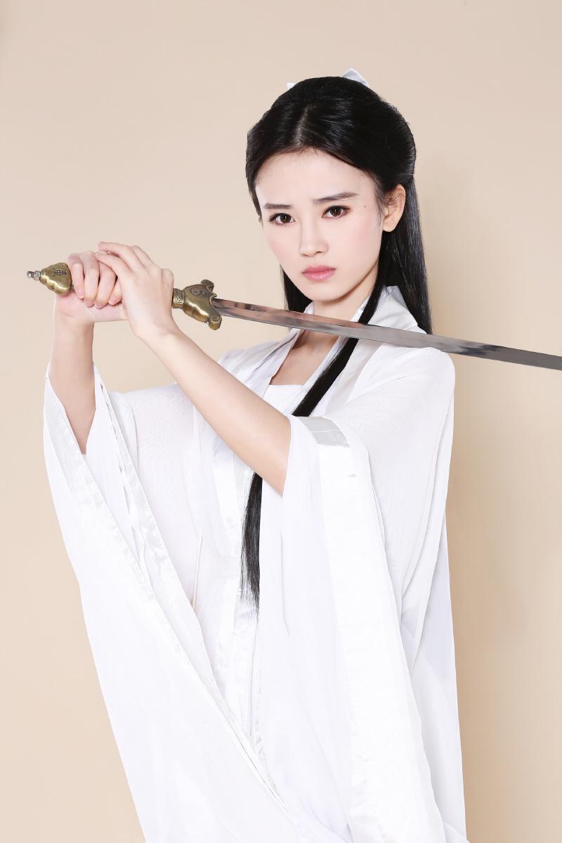 Bt >> 鞠婧祎个人资料_新闻_图片_视频_作品_百田明星大全