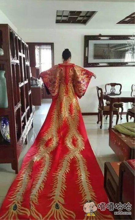 朋友说,等结婚了就穿这个,你这是结婚吗?你TM这是登基吧?