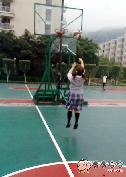 在那之后因为投篮姿势不正确被老师深切教导了一番