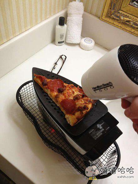 披萨是用熨斗烤出来的