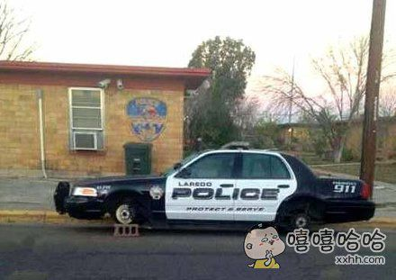 警察蜀黍上班时傻眼了