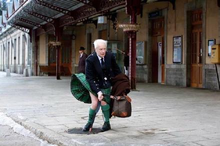 苏格兰版玛丽莲梦露。我已深深沉醉。