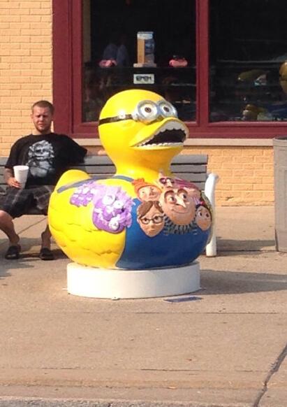 不好意思,请把小黄人和小黄鸭还给我