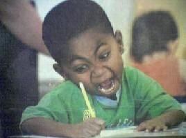 孩纸你是肿么了……是想吃了作业不?