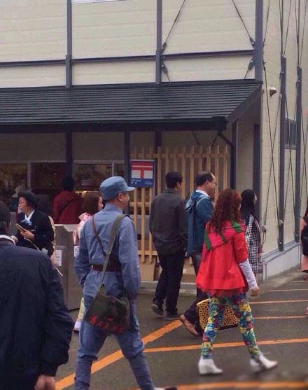 穿成这样去日本旅游,真是太任性了!