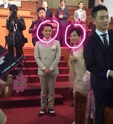 哎哟 我要笑出腹肌了啦 王祖蓝和他妈长得也太像了吧 亲妈啊亲妈
