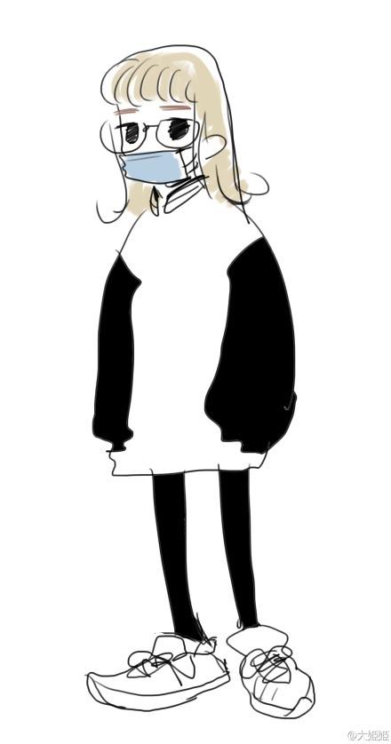 中國的量產女子大生:空氣劉海 一字眉 圓框眼鏡 藍色一次性口罩 棒球衫 NB鞋(原图:大姫姫)