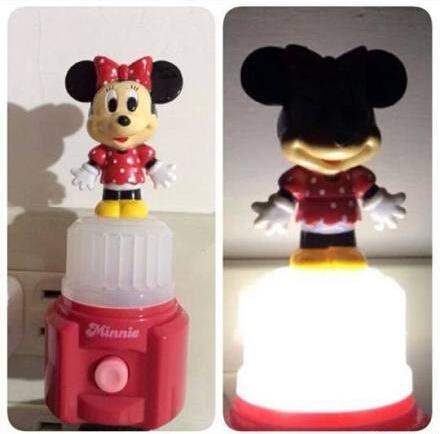 女朋友想要可爱的床头灯,于是就买了一个粉红的米妮送给她。。。