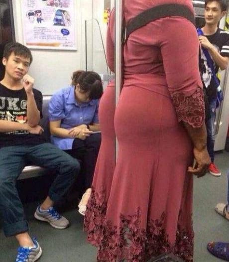 坐地铁从来不用手扶!