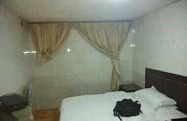 当我拉开酒店的窗帘。。。