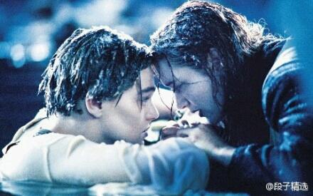 """""""露丝,嫁给我吧。""""  """"我怕我配不上你,我曾经有一段刻骨铭心的惨痛经历。""""  """"说出来吧,不管是什么,我都能接受。""""  """"杰克。。。""""  """"接的多吗?"""""""