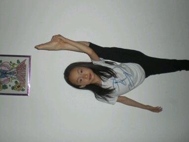 舞蹈家,是吧,疯婆娘,是吧。