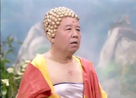 一直觉得佛祖的抹胸很有杀伤力,直到发现头上的巧克力才真是亮瞎双眼。