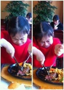 看她脸上的变化, 吃个牛排都这么费劲!!