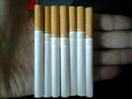 刚刚买的烟……………