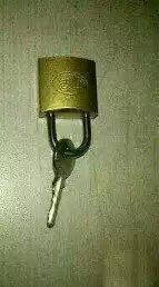 不小心把鑰匙鎖住了,求解啊。。。