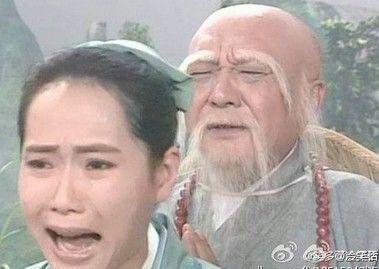 """许仙站在雷峰塔前,痛心疾首:""""法海你这秃驴,把我娘子镇在这宝塔之下,让我们夫妻分离!是何道理?""""法海还没说话,白素贞在塔内幽幽道:""""在杭州这地方想弄一套跃层,难道要我指望你那个小诊所么?"""""""