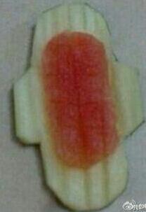 这熊孩子吃个西瓜能吃成这样