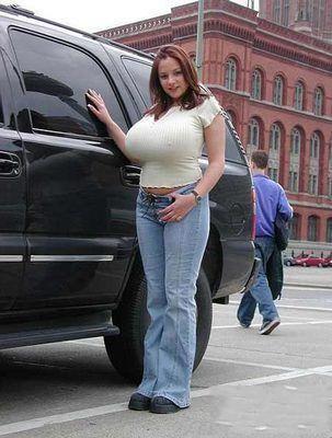 她这辆车好贵的