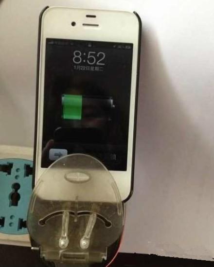 万能充有这么凶残的功能了?直接充iphone……