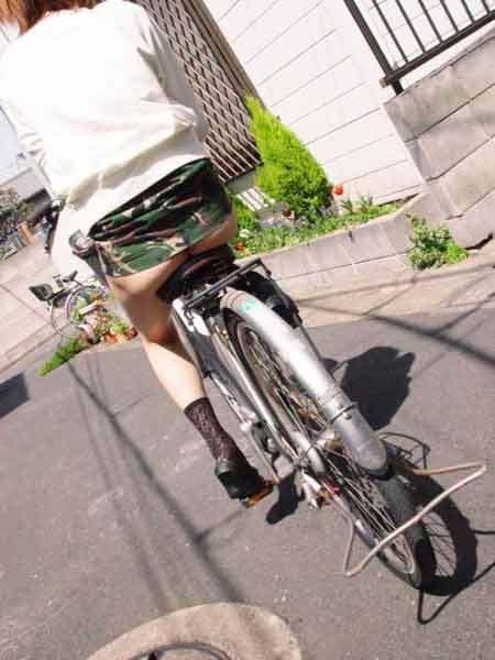 大致明白为什么女生第一次会献给单车了