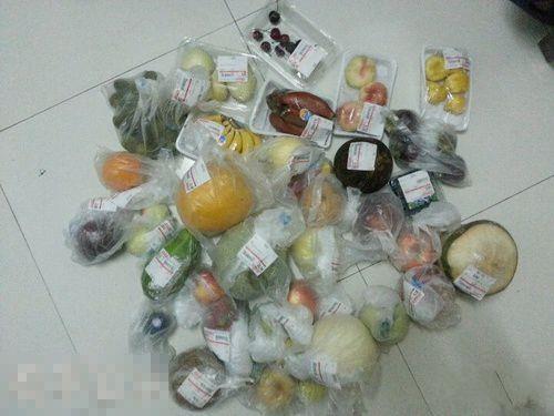 二货朋友今天去超市买的水果,每样买一个,永远忘不了计价员那表情!