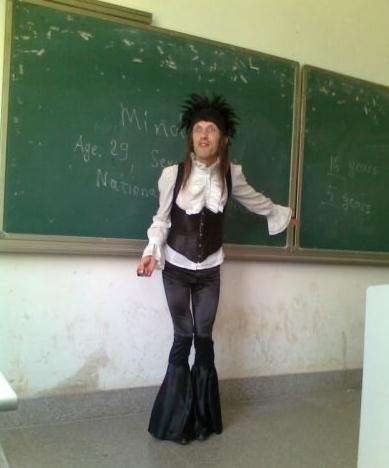一进教室震惊了,老师,你怎么了