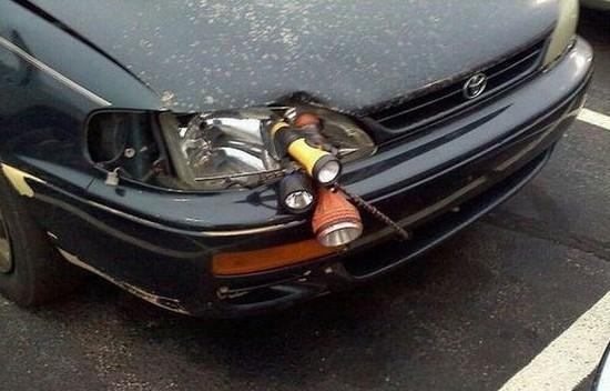 车灯坏了,灵感的小宇宙瞬间爆发了