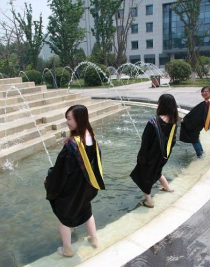 又到毕业季,童鞋们,节操呢,节操呢!