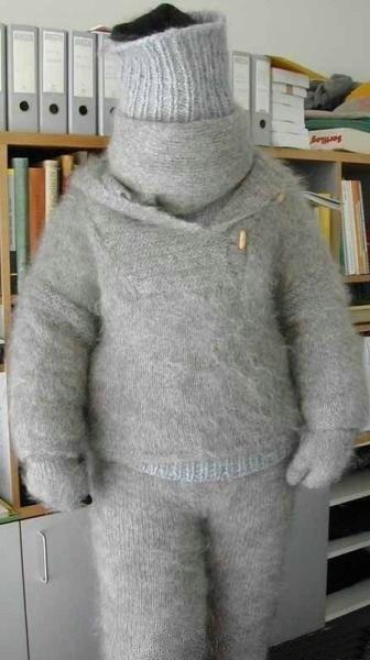女友亲手织的毛衣,满满的都是爱啊,好温暖。。。