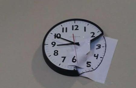 终于帮女神把她家的钟修好了。。