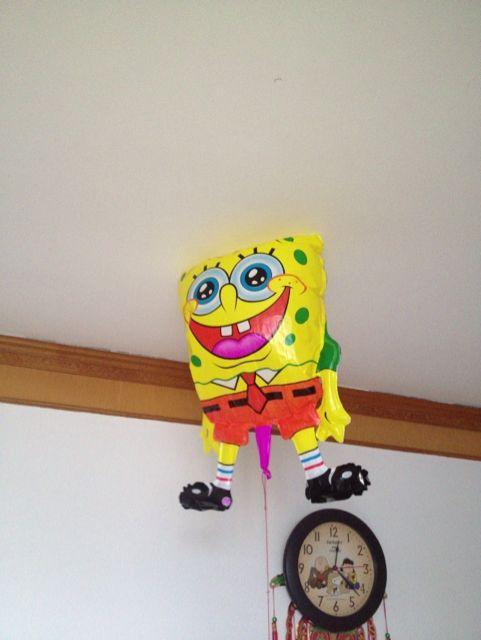 刚买的海绵宝宝气球~