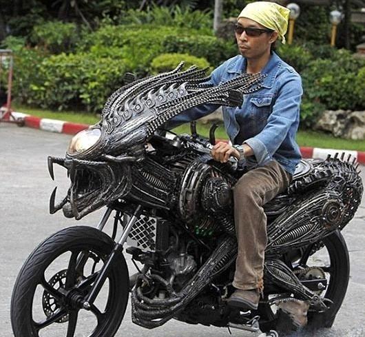 这个摩托,这新屌爆了!