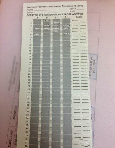 这种立即揭晓答案的答题卡真是变态中带感啊……考个试跟刮彩票一样惊心动魄!