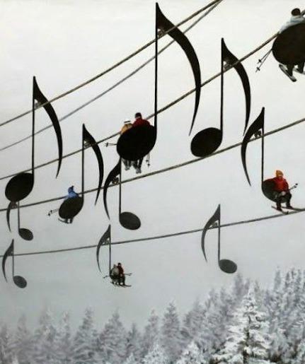法国滑雪场的登山缆车,法国人的浪漫可见一斑。。。