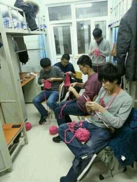 会织毛衣的汉纸都是濒危物种啊!!遇到就赶紧下手吧!!!