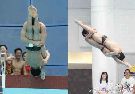 中国奥运代表团在香港出席活动,活动期间跳水队表演了一个特殊的动作:曹缘和张雁全抱着对方大腿从高台跳下,看看跳台旁队友们的表情就知道大家有多欢乐了~